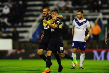 Boca golea a Vélez y queda como único líder