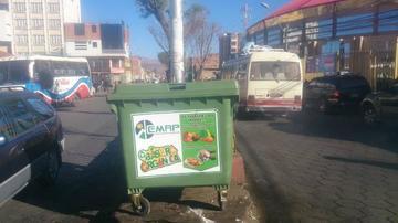 EMAP coloca basureros en las calles y avenidas de la zona baja