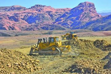 Buscan consolidar servicios para construir la fábrica de cemento
