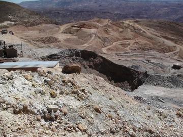 Pondrán límites a la explotación minera en el Cerro Rico de Potosí
