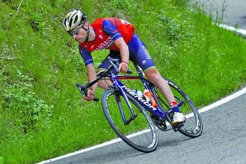 Giovanni Visconti gana el Giro de la Emilia