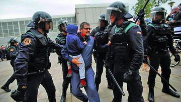 Tras jornada violenta Cataluña prevé declarar independencia