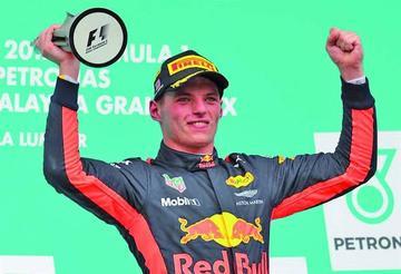 Verstappen gana el GP de Malasia