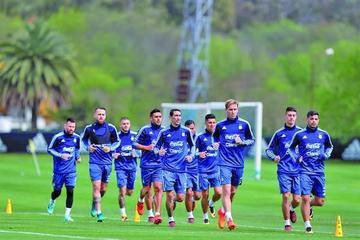 Messi y Dybala se suman al trabajo de la albiceleste