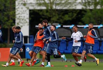 Argentina busca ganar a Perú