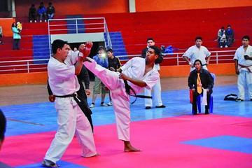 Potosí es sede del Campeonato Nacional de Karate en la categoría mayores