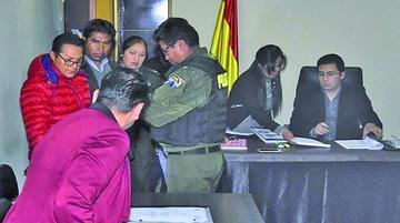 Envían a la cárcel de San Pedro a dos dirigentes de Achacachi