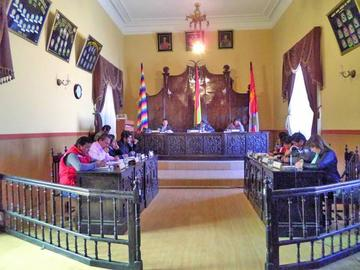 Pedido de renuncia de directiva del Concejo Municipal se frena