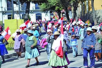Cívicos se movilizan en el 35 aniversario de la democracia boliviana