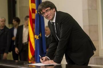 El Gobierno de Cataluña asume el mandato de independencia