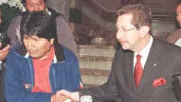Morales y Sánchez Berzaín se acusan como genocidas