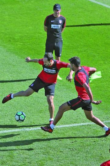 Atlético buscará un triunfo ante Barcelona