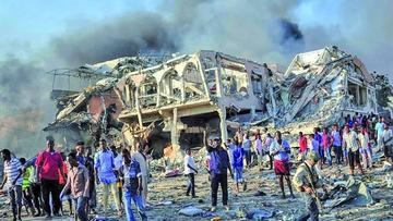 Atentado en Somalia causa 215 personas muertas y 350 heridos