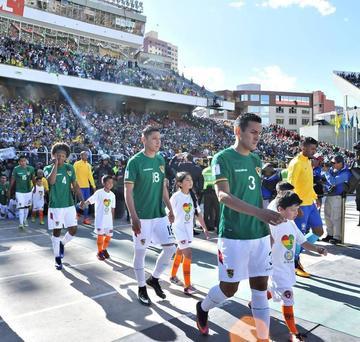 Bolivia desciende al puesto 50