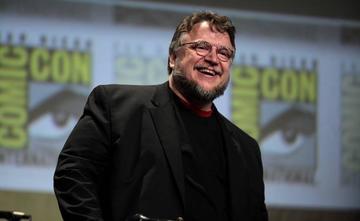 Del Toro deleita con su terrorífica infancia
