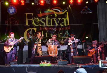 Savia Andina festeja su 42 aniversario en conciertos