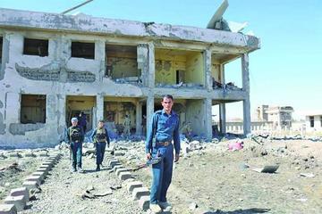 Ataques talibanes en Afganistán dejan 74 muertos y 168 heridos