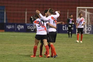 Nacional gana su primer partido en casa