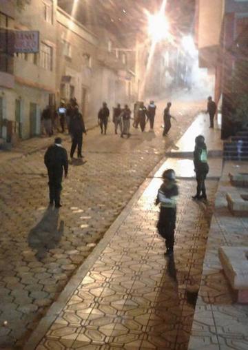 Una serenata terminó en un enfrentamiento entre ebrios y policías
