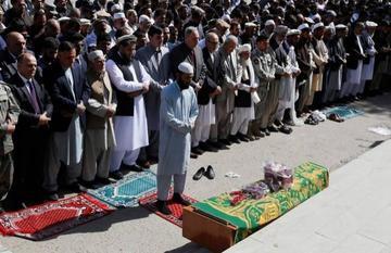 Ataques en Afganistan causan decenas de personas fallecidas