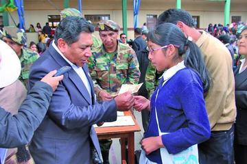El bono Juancito Pinto beneficia a 179.068 estudiantes en Potosí