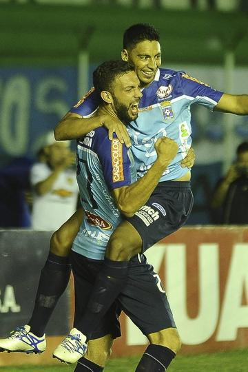 Nacional deja escapar un triunfo en Santa Cruz