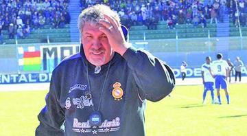 Oscar Sanz asume el mando de Universitario, de Sucre