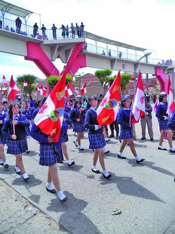 Rinden homenaje a la Bandera Potosina