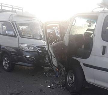 El Alto: dos choferes  están heridos por colisión