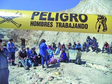 Hoy informan posible cesación de rescate de hermanos en el cerro