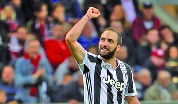 Higuaín le da el triunfo a Juventus en el campo de Milan