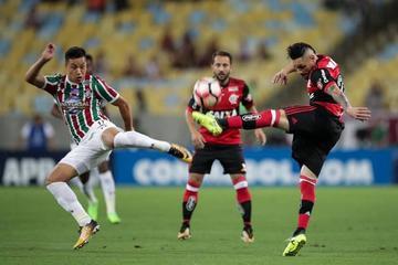 Flamengo protege su gol de ventaja ante Fluminense