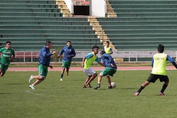 Un necesitado Universitario quiere llevarse los tres puntos de Potosí