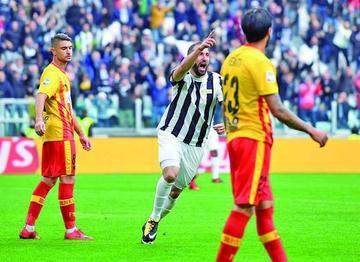 Gonzalo Higuaín y Guillermo Cuadrado le dan la victoria a Juventus