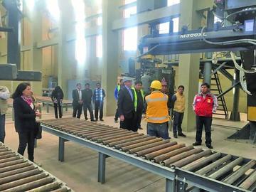 Vicepresidente anuncia apoyo a planta de fundición de hierro