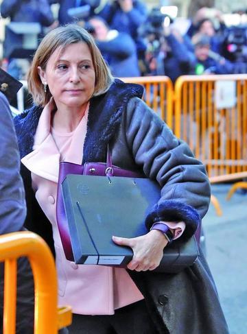 Secesionistas catalanes eluden ir a prisión si pagan una fianza