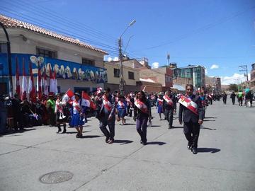 Potosinos festejan el aniversario del 10 de noviembre con división