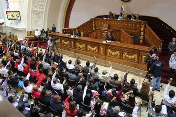 Constituyente venezolana busca el fin del contrabando fronterizo