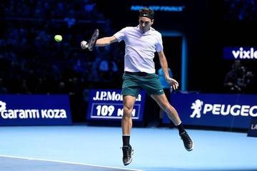 Roger Federer se impone a Sock jugando a placer