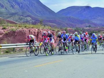 La Federación Boliviana espera superar este año los 100 ciclistas