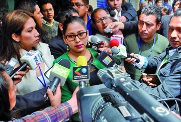 Piden destituir al juez que favoreció al exfiscal acusado de violación