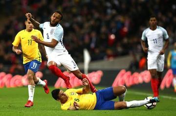 """Inglaterra frena a Brasil en el estadio de """"Wembley"""""""