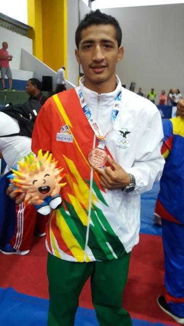 Chávez logra el segundo bronce para Bolivia