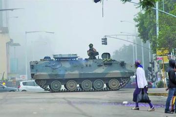 Fuerzas Armadas se rebelan y toman el control de Zimbabue