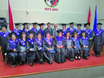 Gradúan a 25 doctores en Educación en la universidad