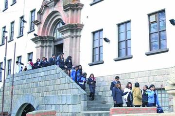 Autorizan fideicomiso de hasta Bs 48 millones para las universidades