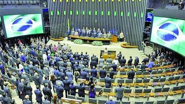 Fiscalía pide anular sesión que excarceló a diputados en Brasil