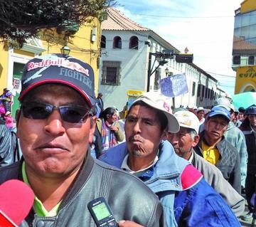Vecinos de Alto Potosí marchan por planimetría