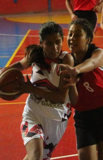 Potosí debuta con triunfo en el nacional de básquet femenino