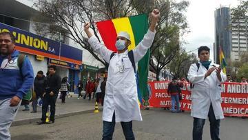 Médicos y trabajadores inician hoy la huelga general indefinida